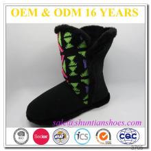 Tejido superior de faux cordón suave color de la guarnición pompón de color interior faux zapatillas de arranque de piel para las damas