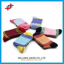 2015 China Lieferant Großhandel stricken dicke billige Kleid Wolle Socken für Dame