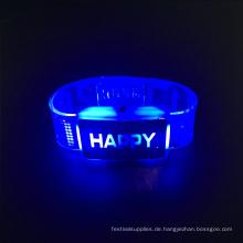 2017 Hochzeit Tischdekoration LED Armband mit glücklichen Buchstaben