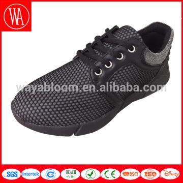 Обувь высокого качества изготовленный на заказ людей вскользь