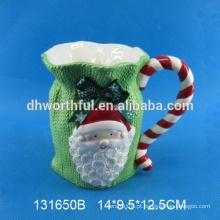 Caneca cerâmica bonita do Natal de Santa