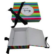 Caja de regalo de papel plegado de cartón impreso con solapas