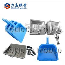 Plastic garden snow shovel mould
