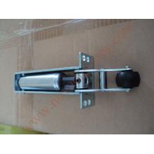 Дверной доводчик для полуавтоматической двери