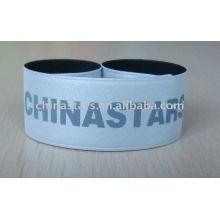 Reflektierendes Armband mit kundenspezifischem Logoaufdruck