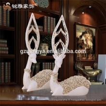 Meilleures ventes Jouets cadeaux écologiques Deer résine Polyresine résine Figurine d'animaux Objets artisanaux