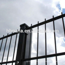 Cerca de alambre horizontal doble soldada con autógena 2D / cerca doble de alambre doble ornamental revestida del bucle del PVC