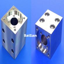 Distribuidores hidráulicos personalizados da liga de alumínio da precisão