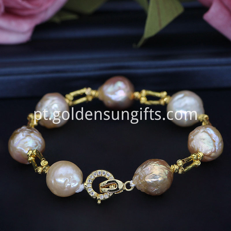 pearl Hands jewelry