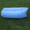 Faule Mittagessen-Rest-kampierender faltender Strand-aufblasbarer Schlafsack im Freien