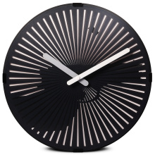 Motion Wall Clock- Un artillero