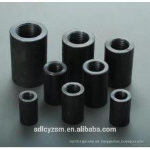 Barra de acero / varilla corrugada / manguito de conexión de acero al carbono