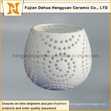 Moderner keramischer ausgehöhlter Kerzenhalter mit Fuß für Dekoration