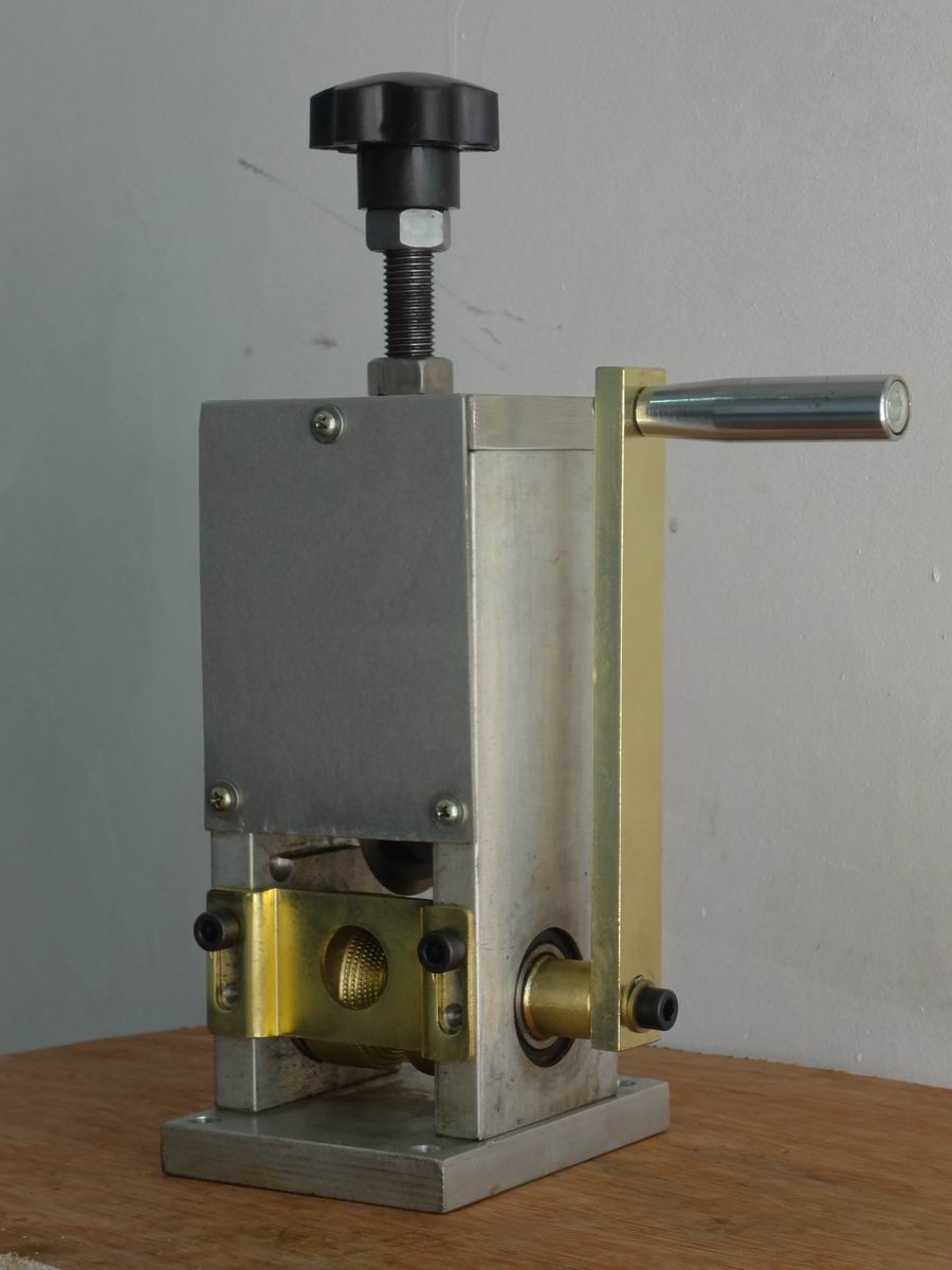 manual scrap wire stripping tool