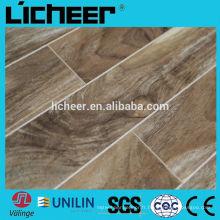 Fabricants de revêtements de sol stratifié en Chine Revêtements de sol stratifié de petites surfaces gaufrées