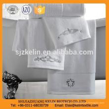 Serviette d'hôtel 100% coton blanc super doux avec broderie fantaisie