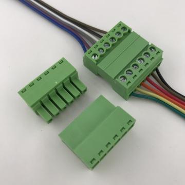 Contacts à 6 broches du bornier enfichable à montage par câble