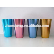 taza de cerámica popular con mosquetón