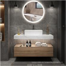 Colgar en la pared del mueble del tocador del baño