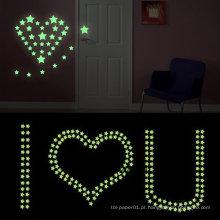 Decoração da sala de brilho nas estrelas escuras impressão de parede crianças adesivos