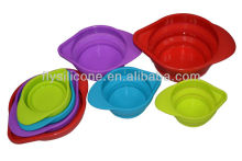 Flexibele handige customizde kleurrijke siliconen cup meten