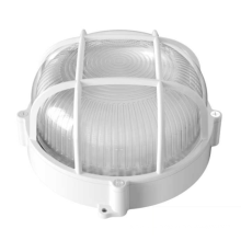 Влагостойкая лампа в ванной