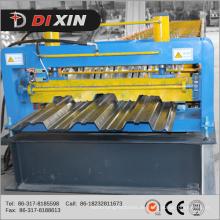 Rollformmaschine für Bodendecks