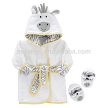 La vache mignonne à capuchon bébé serviette de bain robe chaussons ensemble, 100% coton, convient aux nouveau-nés et aux nourrissons de 0 à 9 mois, garder bébé au chaud et au sec