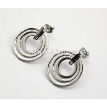 Модные серьги из серебра круглого сечения для женщин