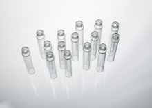 Kaca pergigian katrij digunakan sebagai bekas bagi suntikan pergigian