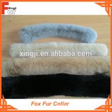 Col de fourrure de gros renard teint en une seule couleur