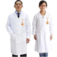 Uniformes médicaux blancs de gommage de coton pour le docteur