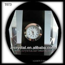 Magnifique horloge en cristal K9 T073