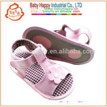 Zapato de bebé púrpura más nuevo de la PU de las sandalias 2016