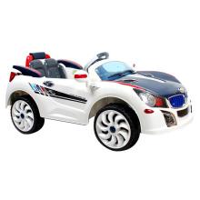 Les enfants fonctionnant sur batterie 2.4G montent sur la voiture avec la lumière (10224884)