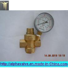 Messing Druckreduzierventil mit Uhr (a. 0208)