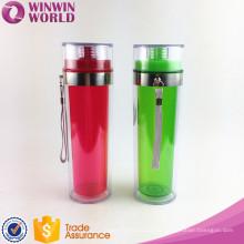 Botella de agua plástica de consumición coloreada doble libre del deporte de la pared del BPA