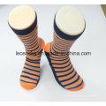 Großhandelsqualitäts-Baumwollmänner kleiden Socken