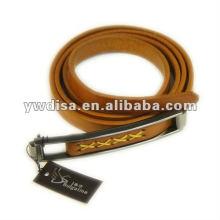 Cinturón de cuero real llano con hebilla de aleación pequeña