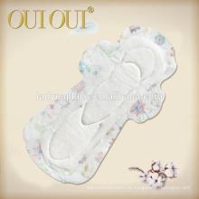 Almofadas sanitárias do algodão fêmea absorvente do fabricante de China com asas