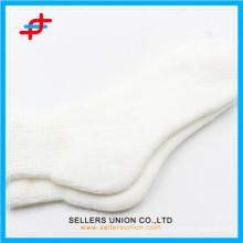 Chaussettes en mousse chaude pour femmes en acrylique blanches personnalisées