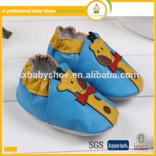 Fabricante 2016 zapatos de bebé de cuero verdaderos del cowskin genuino del patrón animal caliente al por mayor de la venta
