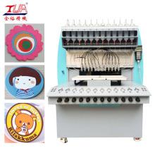 Machine de fabrication de tapis en plastique souple
