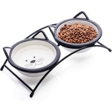 Cuencos de cerámica para gatos levantados