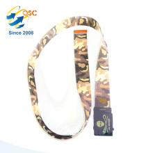 Taktischer Gürtel mit Camouflage-Muster und schwarzer Schnalle