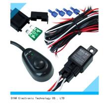 A barra clara do interruptor do carro da fábrica barra o chicote de fios leve do fio com fusível do relé