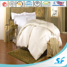 Linge de lit d'hôpital en couleur blanche