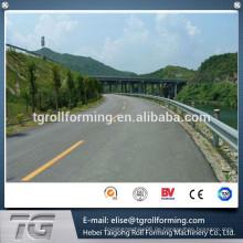 Schöne und bunte außen Colored Steel Highway Guardrail Roll Forming Machine