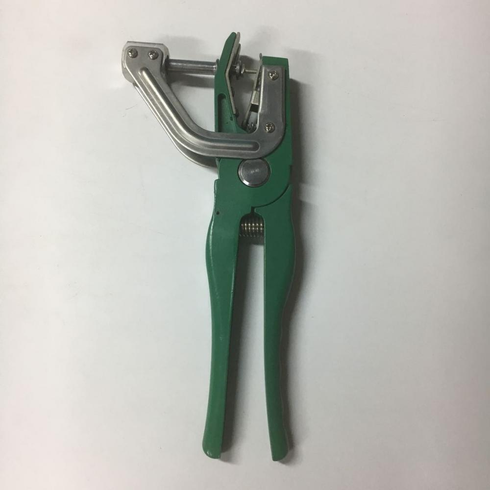 Animal Ear Tag Plier Green 2