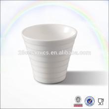 Gros tasses de thé et soucoupe en vrac de porcelaine, tasse de café faite sur commande